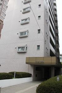 このビルの8F